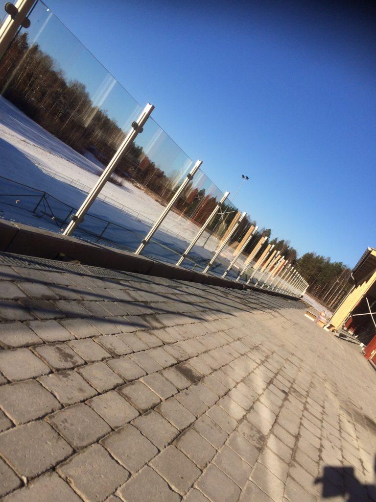 Glasräcken - bilobyggnadsglas.se
